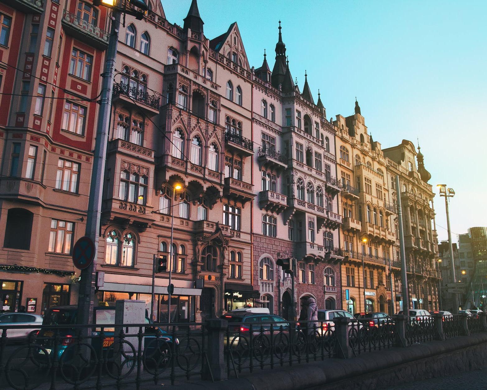 Die schönsten Hauptstädte Ost-und Mitteleuropas mit dem Flixbus entdecken: Budapest, Wien, Bratislava & Prag