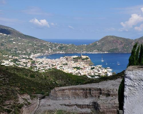 Eolie Islands, San Marino and Naples: fairy tale places