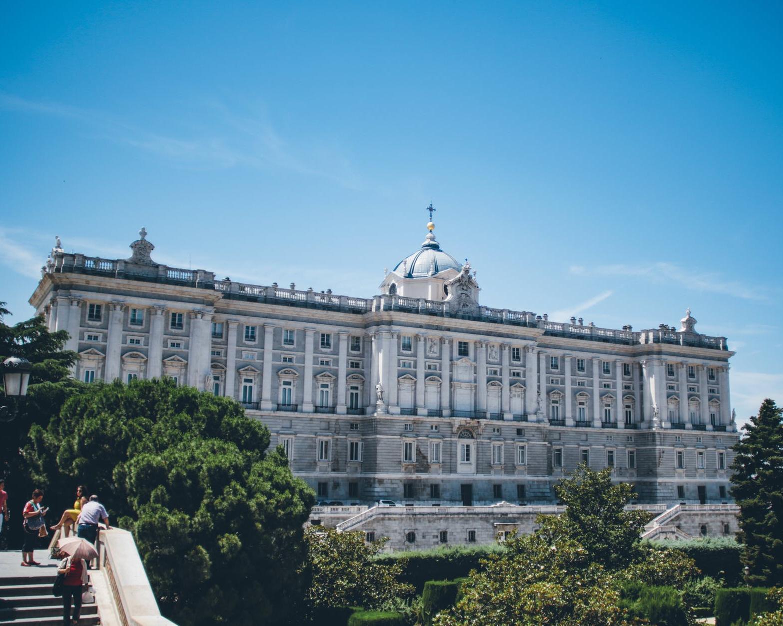 Madrid y Palacio Real, en AVE
