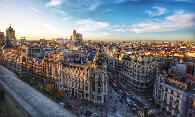 Visita la capital, ofertón a Madrid