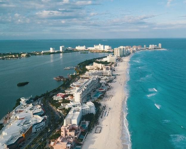 Mexikó, Cancún, 4 csillagos, tengerparti hotellel, repjeggyel