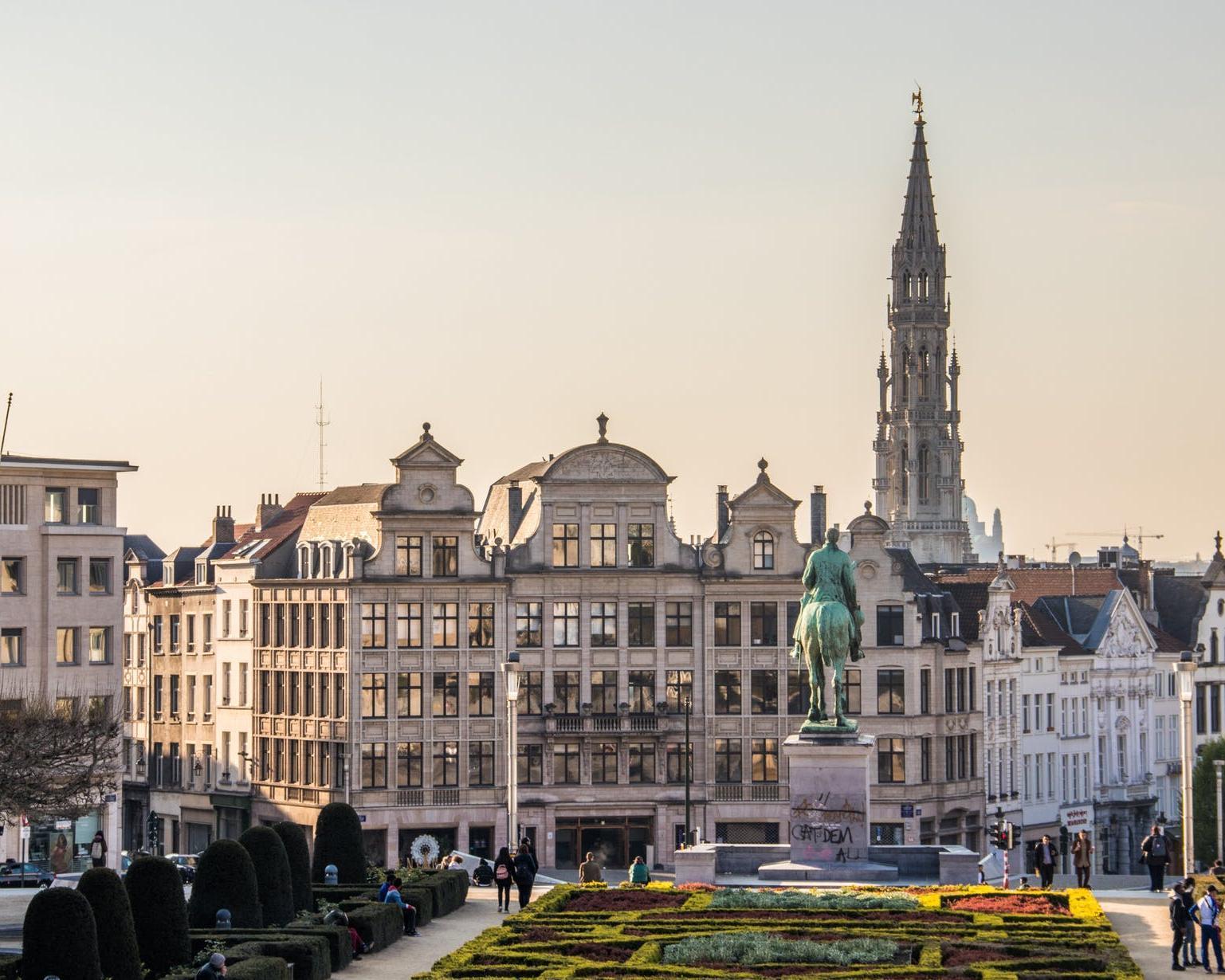Vuelo directo de ida y vuelta a Bruselas