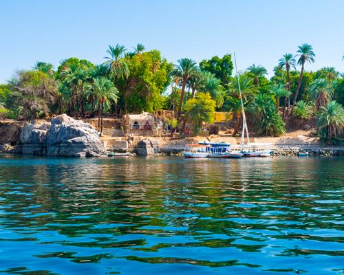 El río Nilo, margen derecha del mismo