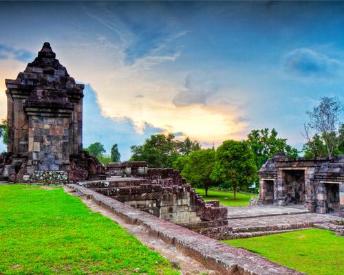 Indonesia, templos y playa