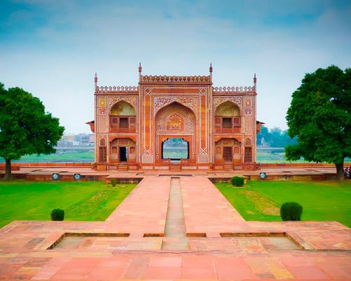 11 Days. New Delhi 5* I Jaipur 5* I Agra 5* I Khajuraho 5* I Varanasi 5* I New Delhi 5*