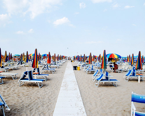 Egy hét Rimini utazás: szállás reggelivel és repülőjegy