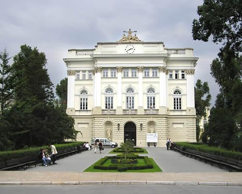 Experience Warsaw Poland 5 Days !