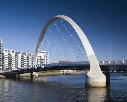 7 éjszaka Glasgow repjeggyel, szállással