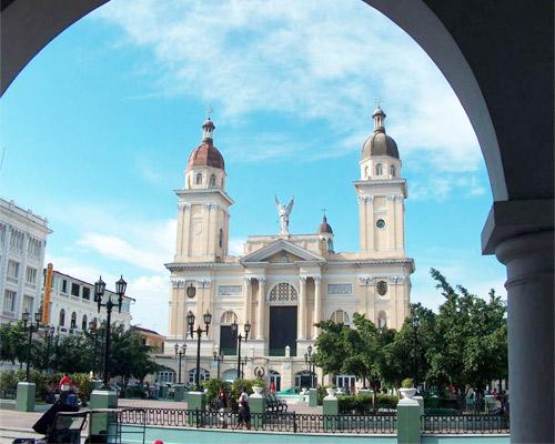 Traslado desde aeropuerto Santiago de Cuba a hotel - ida