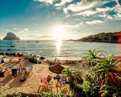Ibiza utazás szállással, reggelivel és repülőjeggyel Bécsből