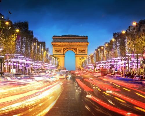 Párizs adventkor: 4 csillagos hotel és repülőjegy
