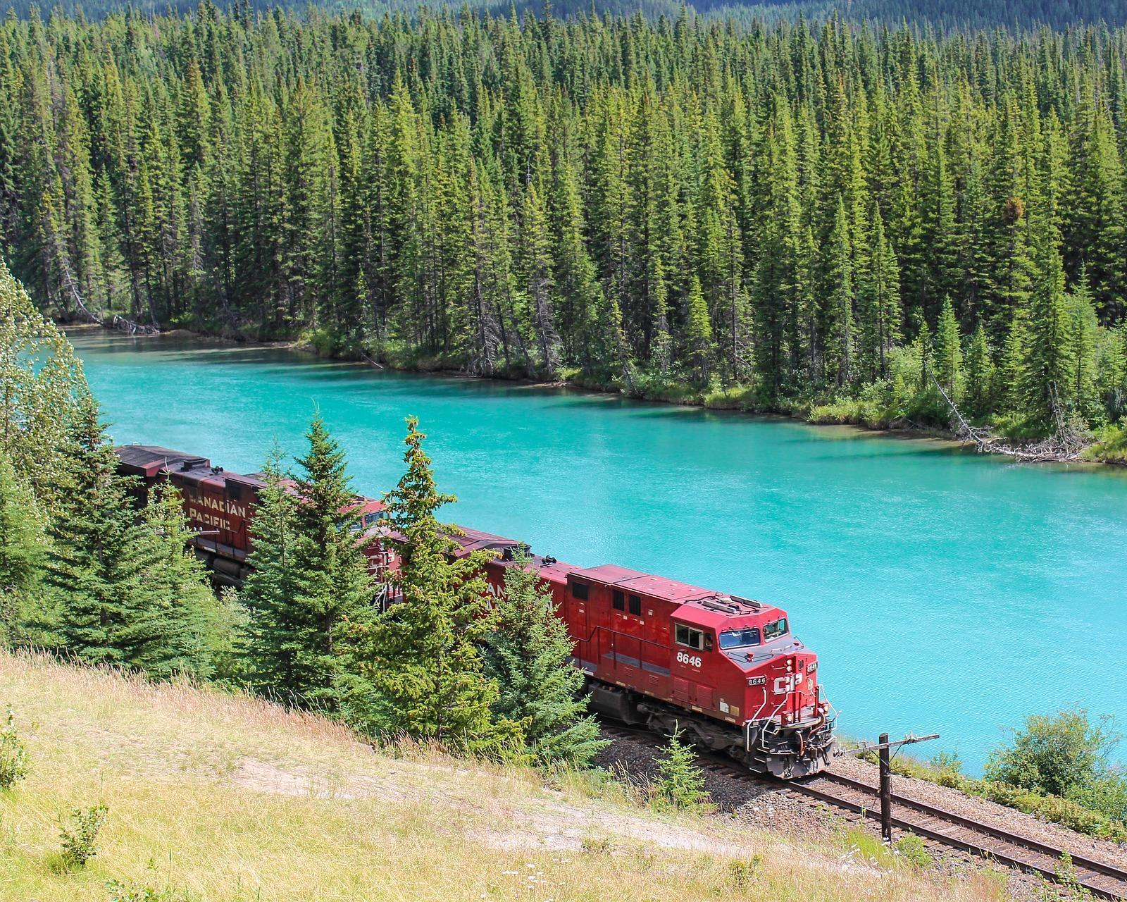Kanadas Metropolen Toronto, Ottawa, Quebec und Montreal mit dem Zug entdecken