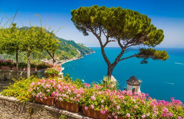 Amalfi-part: utazás repülővel és szállás