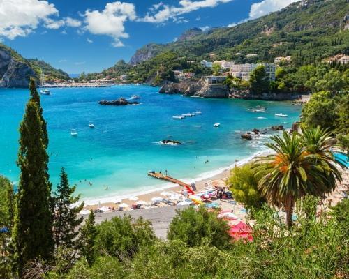 Előszezon Korfun: utazás repülővel és szállás