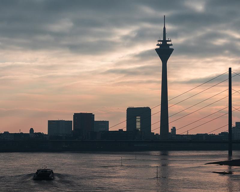 5 Days. Dusseldorf 4*