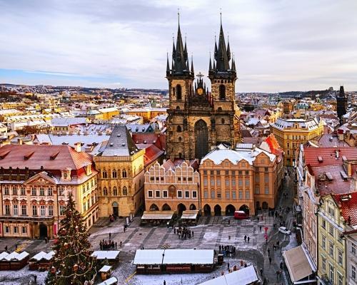 Prága télen: repülőjegy és hotel reggelivel