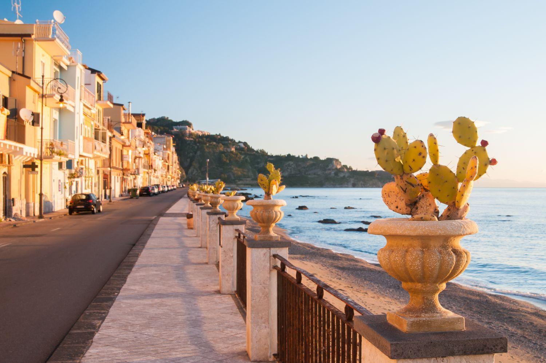 Szicília, Taormina utazás tavasszal: repülőjegy és szállás