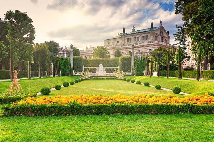 6 Days. Vienna 4*