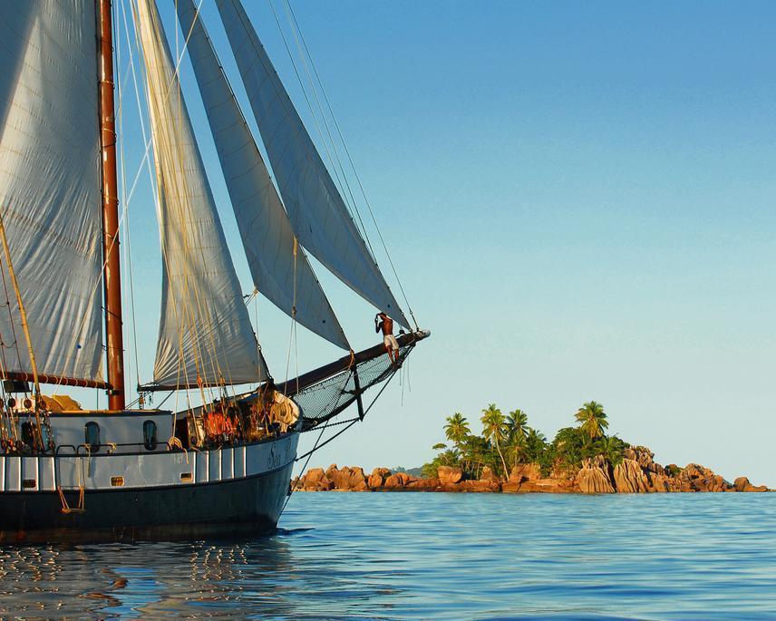 """Segelkreuzfahrt """"SV Sea Pearl"""" Sommerprogramm & Badeverlängerung auf Praslin"""