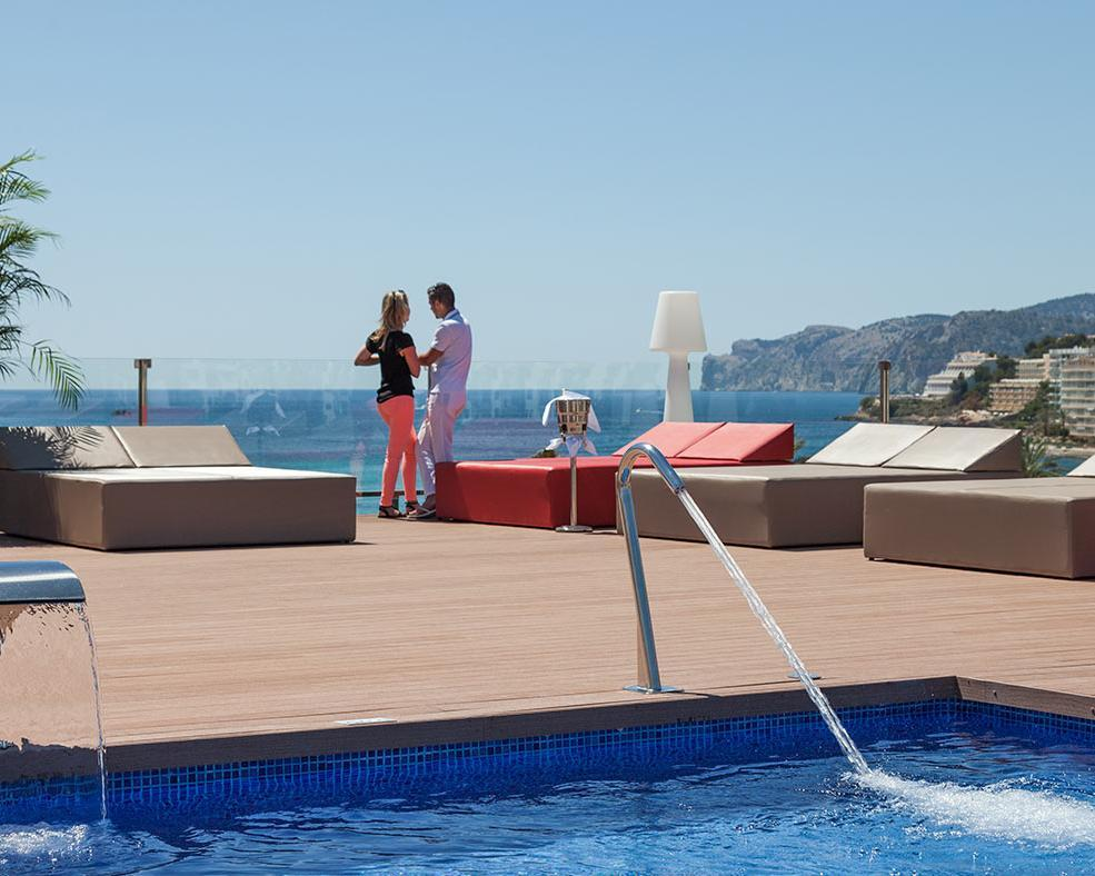 Valentinstag am Strand: ein romantischer Kurzurlaub auf Mallorca