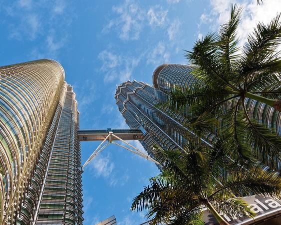 Top Cities Asien: tropisches Singapur & modernes Kuala Lumpur