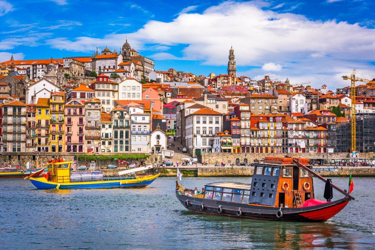 Portói városlátogatás repülőjeggyel, szállással