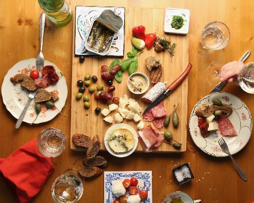 Spaniens kulinarische Highlights erleben in Sevilla, Madrid & Barcelona
